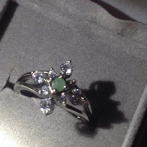 Jewelry - Sterling and emerald ring